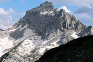 Bezimeni vrh (2487 m)